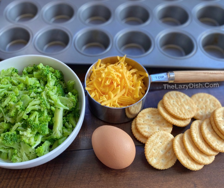 Quick, easy and healthy snack ideas for after school! 4 Ingredient Broccoli Tots made in a mini muffin tin. Toddlers, kids, teens and adults love these! A fun food idea for kids.